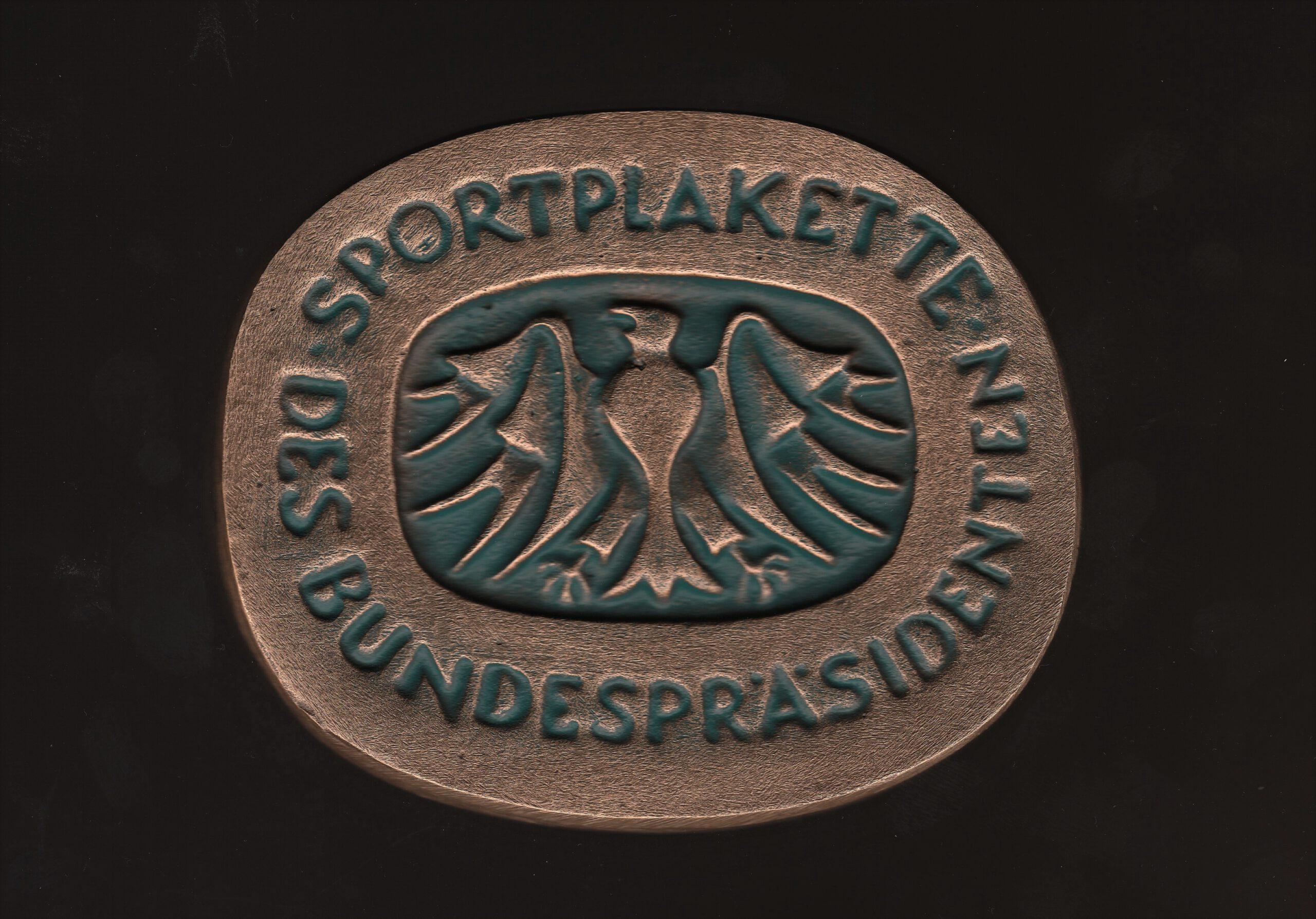 Bundespräsident verleiht SV Preußen Sportplakette